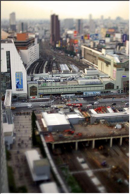 shinjuku_tilt_02.jpg