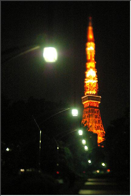 tokyotower_tilt.jpg
