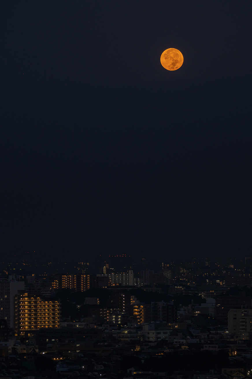 """redmoon_201002_01.jpg"""