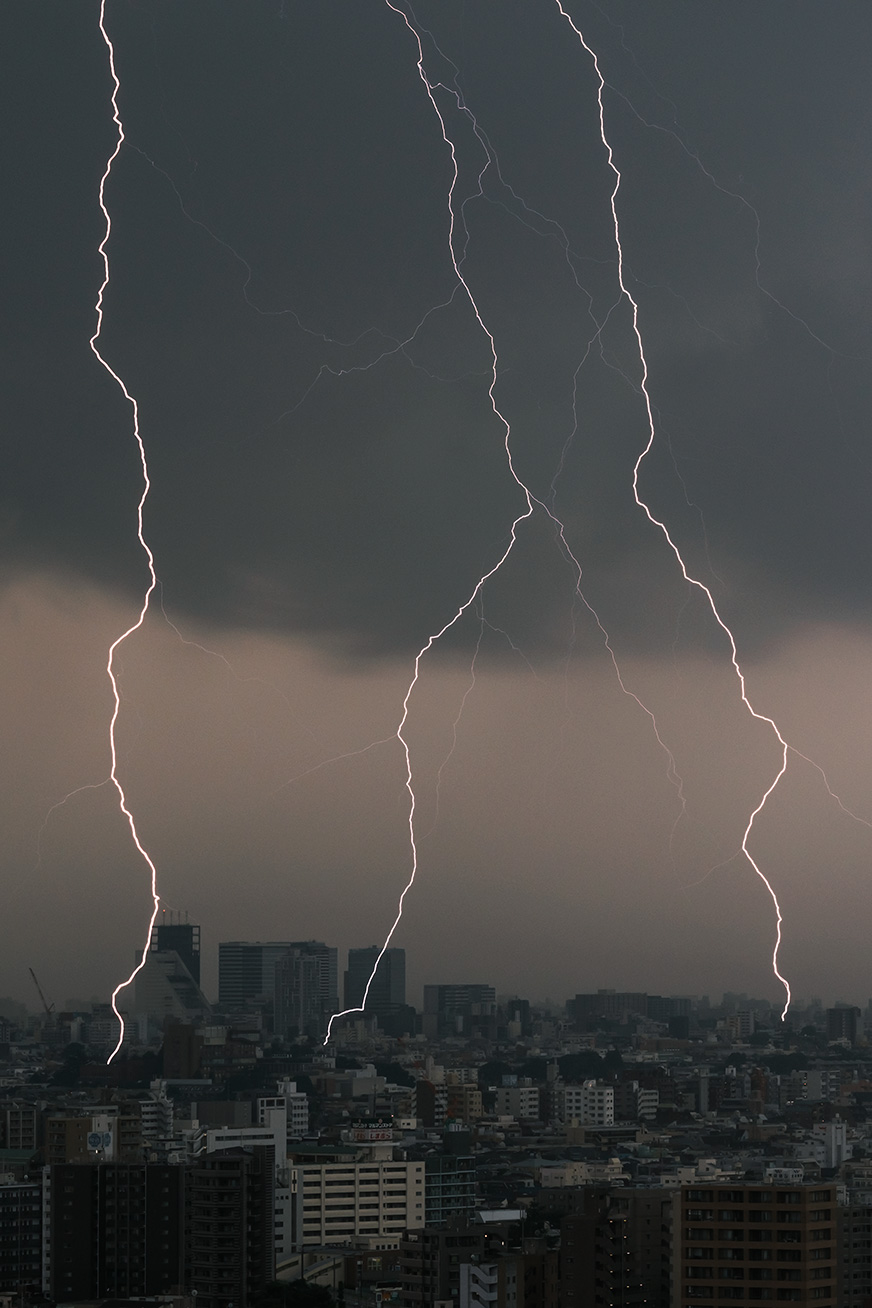 """""""thunderbolt_210711_01.jpg"""""""